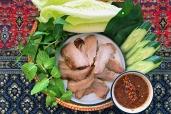 東北烤豬頸與羅旺子醬 / Isan Style Grilled Pork Neck with The Sauce / คอหมูย่างจิ้มแจ่ว